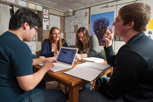 <p>Students work together at the Entrepreneurial Residential Learning Community at Sellery Hall. Photo: Bryce Richter</p>