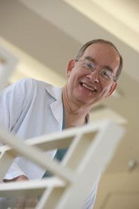 Dr_Gary_Hartman_portrait_200