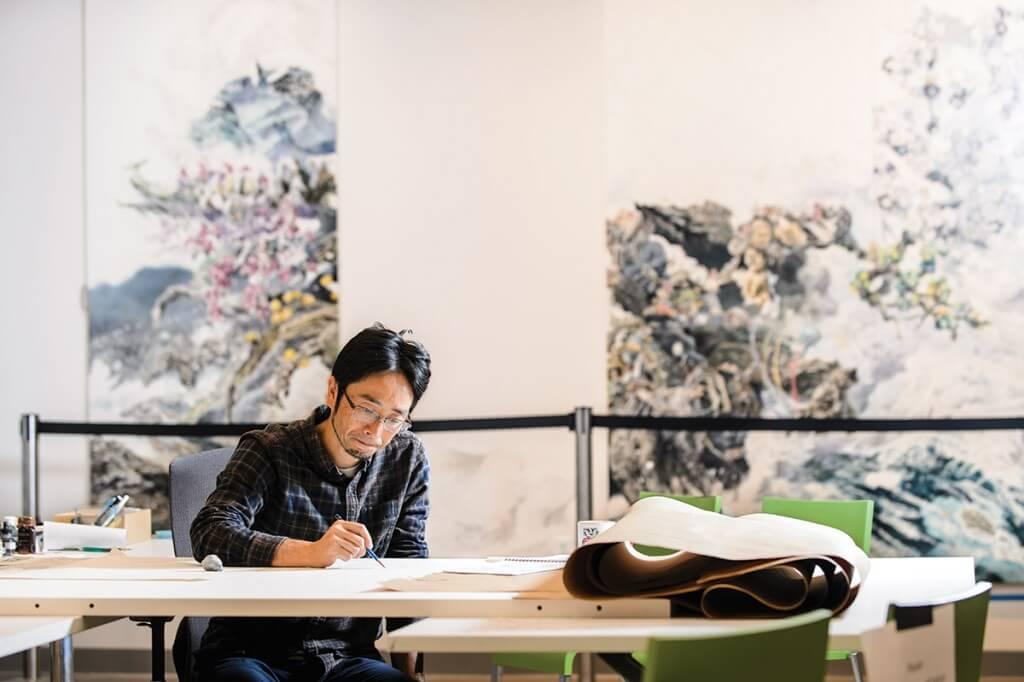 Japanese artist Manabu Ikeda