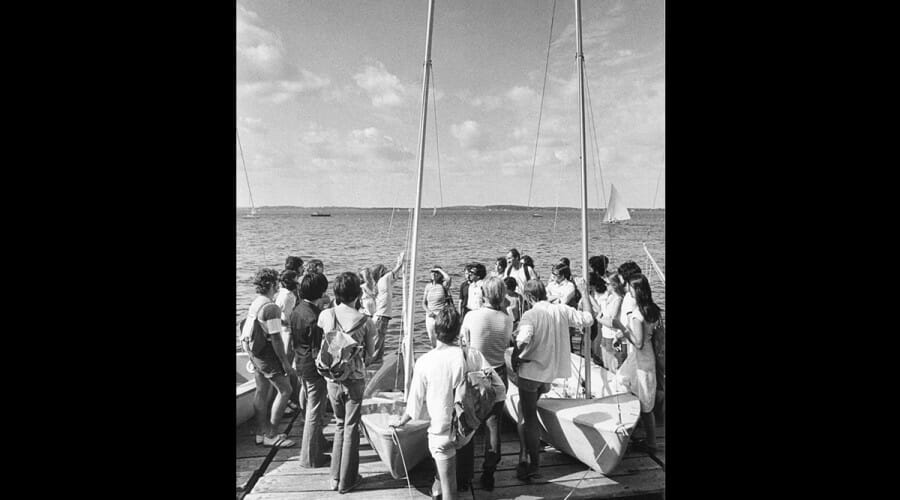 Students gather on the dock for an official Hoofers sailing lesson.