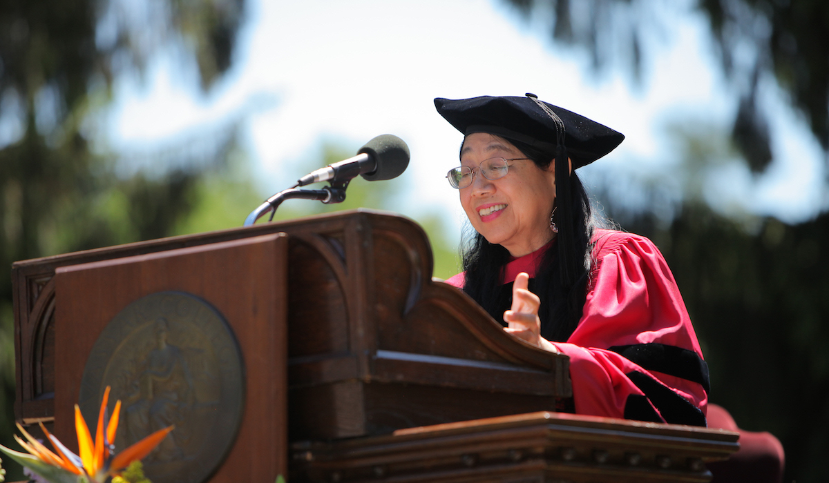 Sau Lan Wu speaks at Vassar College commencement