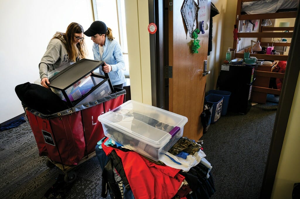 Parent and student moving out of UW–Madison residence hall